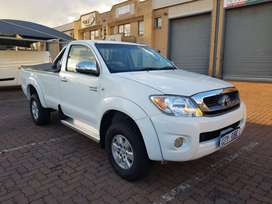 Toyota Hilux VVT-i 4X4 Year Model :2009 Engine :2.7ltr