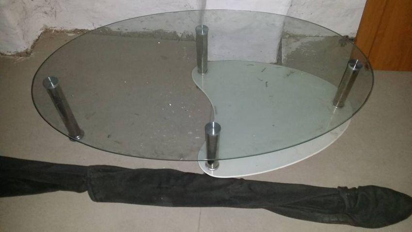 konferencni stolek 0