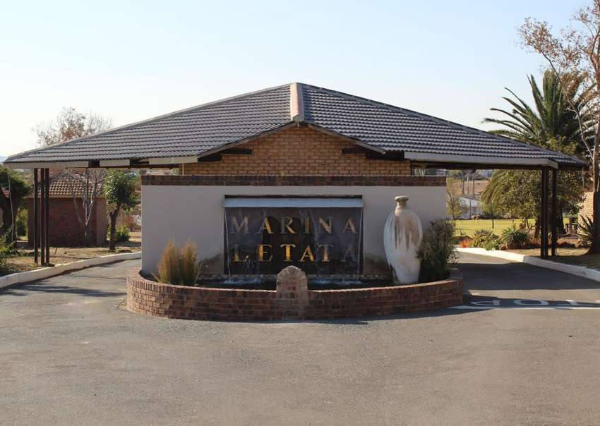3 Bedroom unit for Sale in the Vaal Marina, Marina letata complex with 0