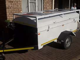 Trailer with roofrack