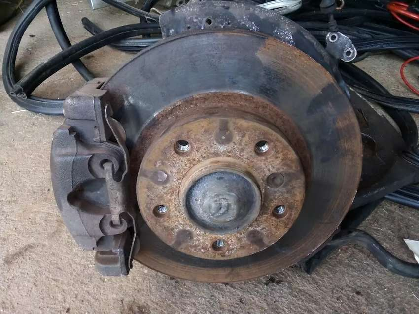 Disks and calipers for BMW 318I E46 and other parts for sale 0