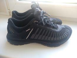 Новые кроссовки ecco 24,5см
