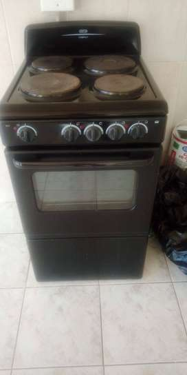 Defy 4 plate/Oven Cable Stove
