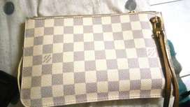 Louis vuitton pechett clutch purse