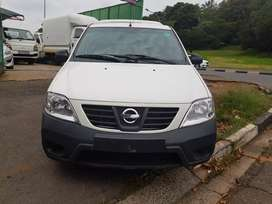 2018 Nissan Np200 1.6 Aircon with Canopy