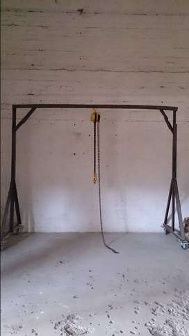 1 Ton block and tackle with A frame