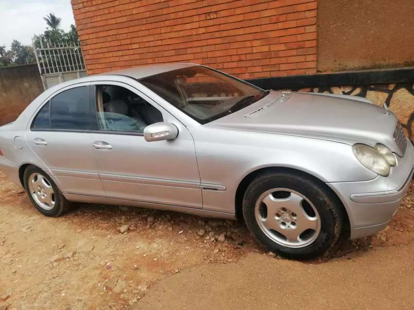 Mercedes Benz Car for sale for 10m ugx 0