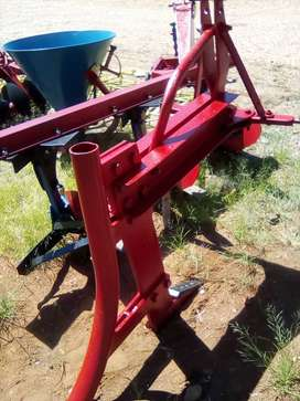 Massey Ferguson 1 Tine Ripper / Cable,Pipe layer