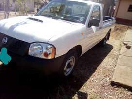 Nissan np300 hardbody  turbocharged  2014 for sale