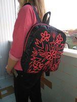 Женский дизайнерский рюкзак с ручной вышивкой