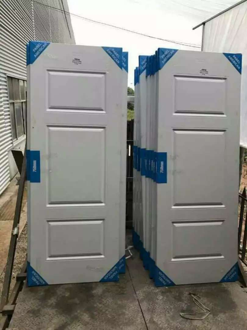 Good quality security doors with water collector and W C toilets seats 0