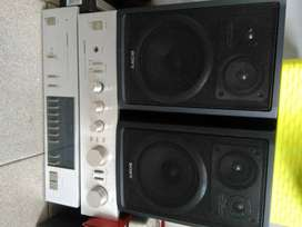 2 sony speakers for sale with Pioneer am and tuner