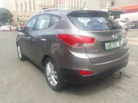 Hyundai ix35 2.0 R135000 cash only negotiable