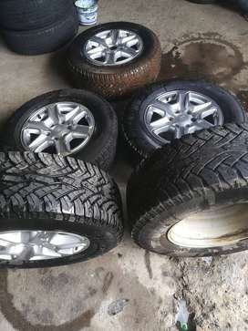 17 inch set of ford ranger rims with tyres brand continentals