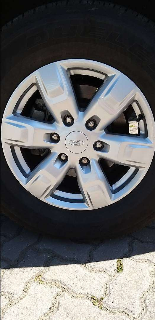 Ford Everest Original  Mags 0