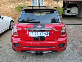 Sunroof,aircon,electric windows,carbon fiber package 4seater