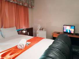 1 bedroom ensuite with kitchen and dresser.