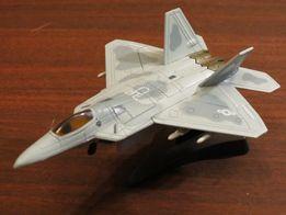 Модель самолета Raptor F22