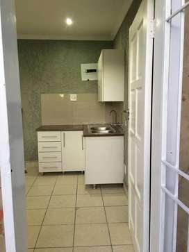 Lovely 1 bedroom Apartment to let in Lombardy East