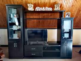 Ebony TV wall unit with 2 side display cabinets