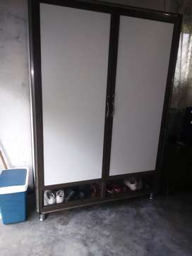 Wardrobe aluminium built-in and mixed with timber