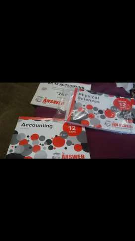 Urgent sale gr12 textbookz for sale (accounting,physics)