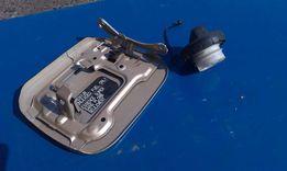Лючёк бензобака Lexus rx 350 с крышкой .