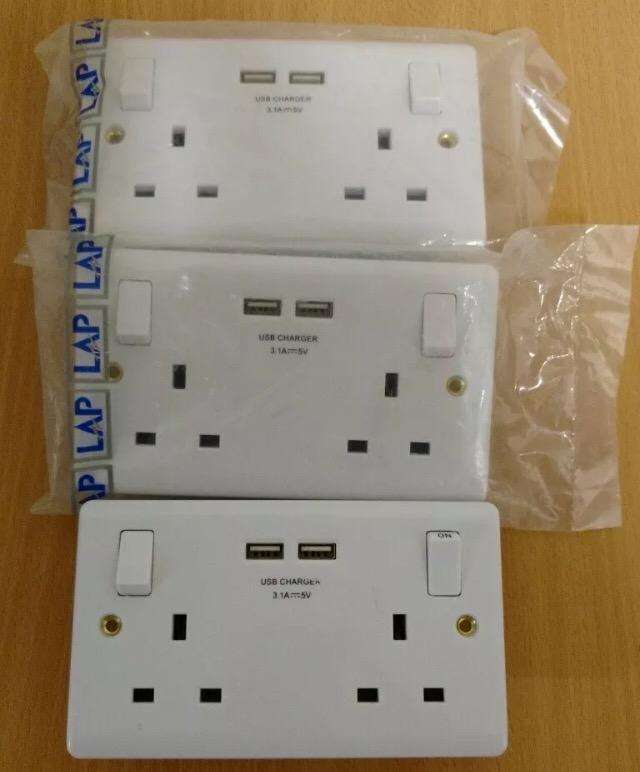Double Wall Socket with USB 3.1A 2 Gang 13A 0