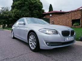 2011 Bmw 523i F10 sunroof Exclusive Package R140000