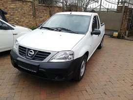 I'm selling a 2019 Nissan NP 200 with only 123000km