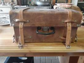 Genuine leather case + wood case with dumpy level