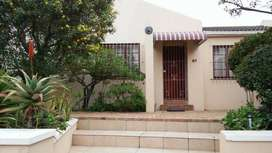 2 Bedroom house, self catering, furnished in Blouberg Cape town