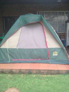 1 X 5 sleeper dome tent for sale in Alberton.