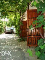 Продам дом пгт Кирилловка с налаженным бизнесом. Дом 80м/2, удобства