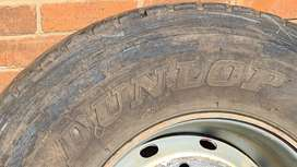385 Dunlop Sp281 tyres on rims