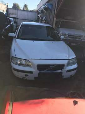 Volvo s60 stripping for spare parts