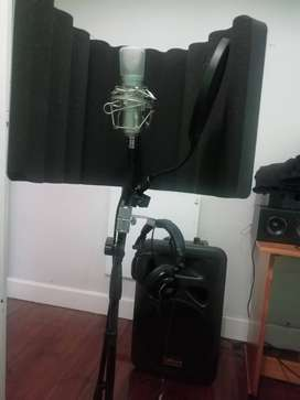 Selling Mic, pop filter, stand and soundproof