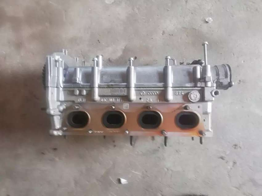 Cylinder head top for polos vivo very nice condition 0