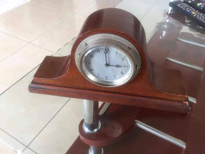 Antique clock 0
