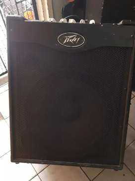 MAX 115 peavey bass guitar amplifier for sale