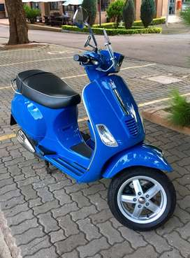 Rare 2012 Vespa S in royal blue