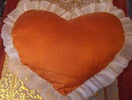 Диванная подушка.