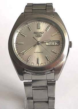 SEIKO 5 AUTOMATIC MEN'S WATCH, DAY AND DATE