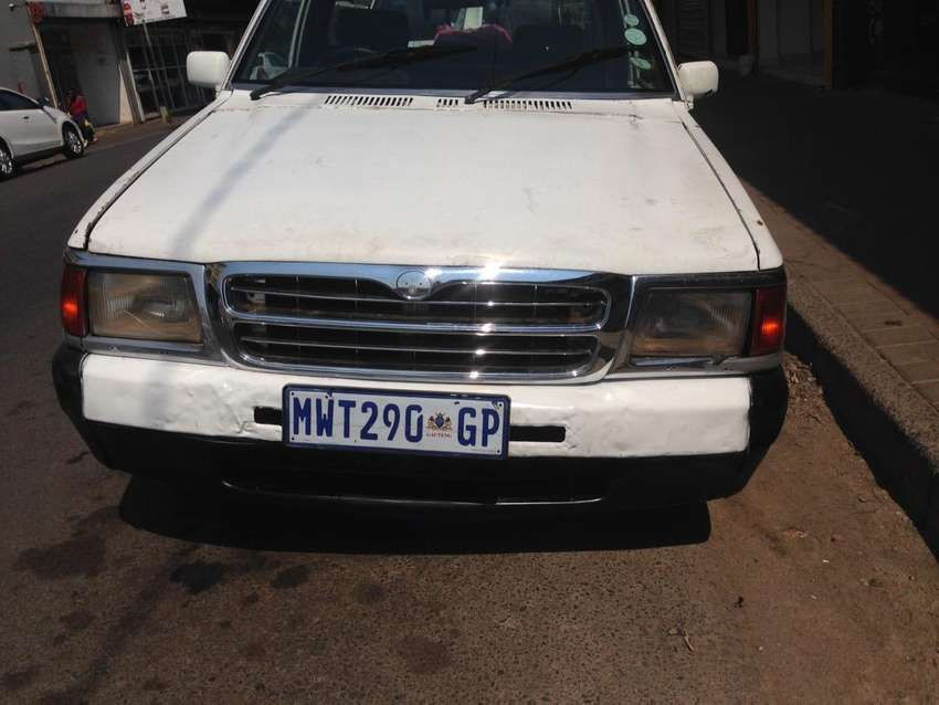 1998 Ford courier Towing van, 2.2 engine capacity, 2 doors,whitecolour 0