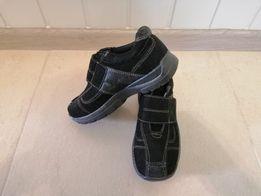 Туфли детские замшевые.