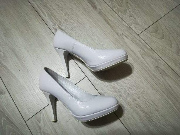Ślubne buty / białe buty/ szpilki Lubin - image 3