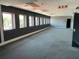 Newly renovated office in business centre(all inclusive rental)