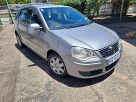 Polo 1.6 silver immaculate condition