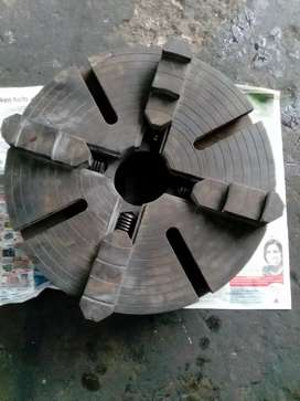 Lathe four jaw chuck 400 mm diameter