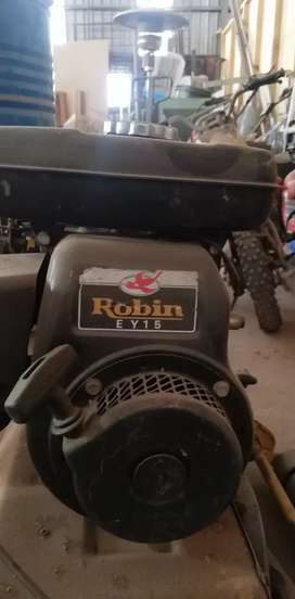 Petrol Robin Lawnmower Ey-15